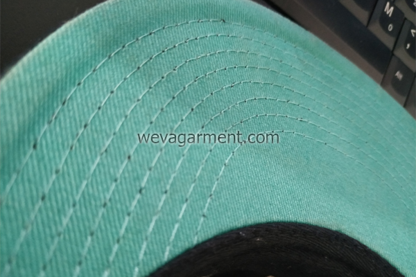 desain-topi-variasi-dalam-bibir-topi