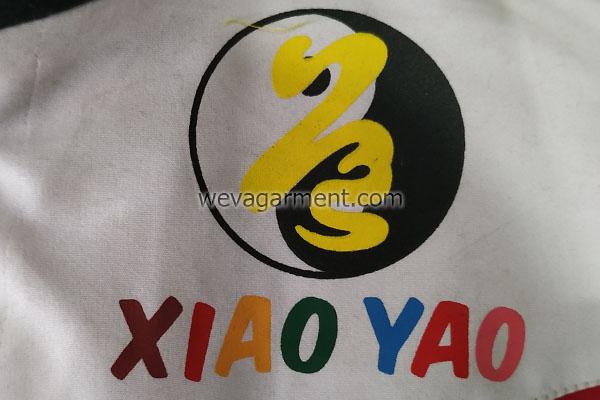konveksi-jaket-sablon-logo-depan